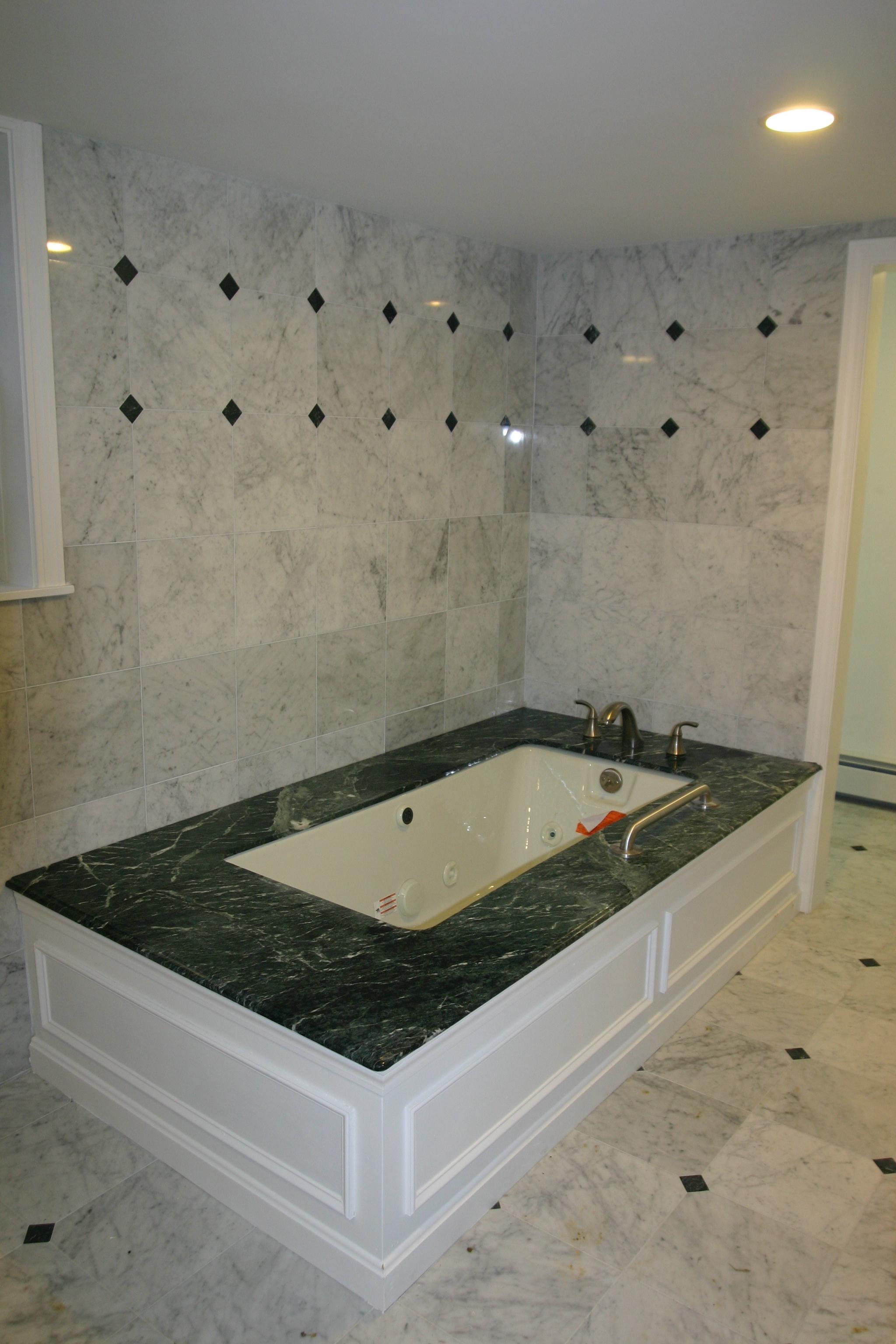 soak-in tub